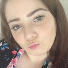 Laura, sitter in Englefield green TW20